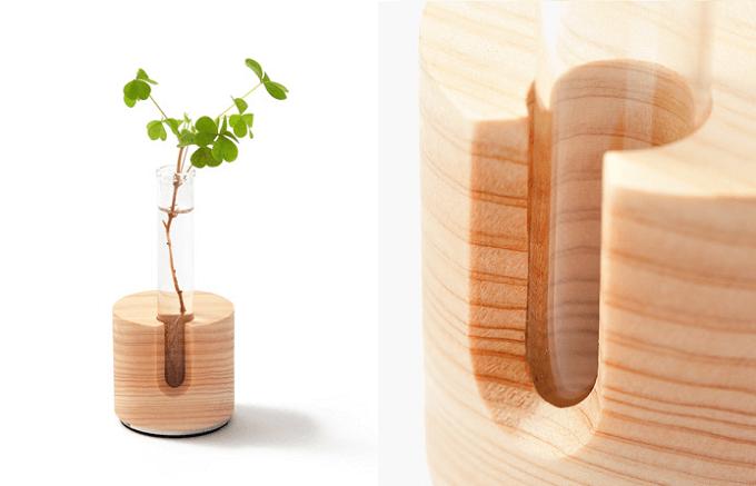 「M.SCOOP」の木製の卓上インテリア、一輪挿し