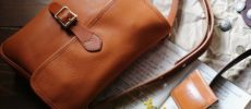 革製品ブランド「SLOW」のショルダーバッグ1