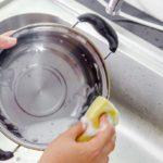 焦げつきや油汚れをこすらず落とす。毎日の掃除や洗濯が...