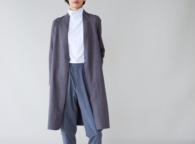 働く女性のための新定番。動きやすく美しく見える「KNITOLOGY」の仕事服