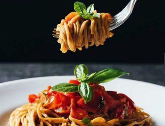1食で1日に必要な栄養素の1/3が摂れる!話題の完全栄養食品「BASE FOOD(R)」