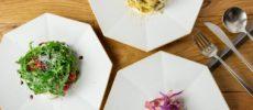 「CRAFT STORE」オリジナルの八角形プレート「eni(エニ)」に料理を盛った様子1