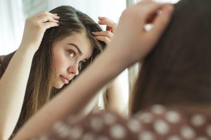 美容・ヘアケアサロン「銀座美院」おすすめのヘアケア方法1髪の状態をチェック