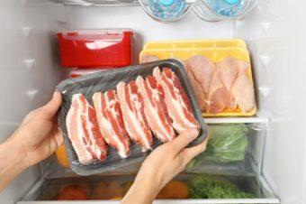 もう食材をムダにしない。1ヵ月鮮度をキープする鶏もも肉と鮮魚の保存方法