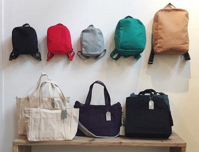 「NIZYU KANO(ニジュウカノウ)」のさまざまなバッグ