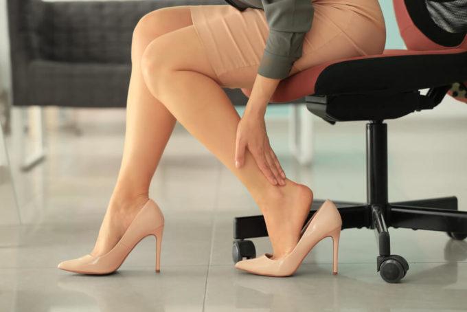 オフィスでできる足・ふくらはぎの「むくみ」の解消法はストレッチ