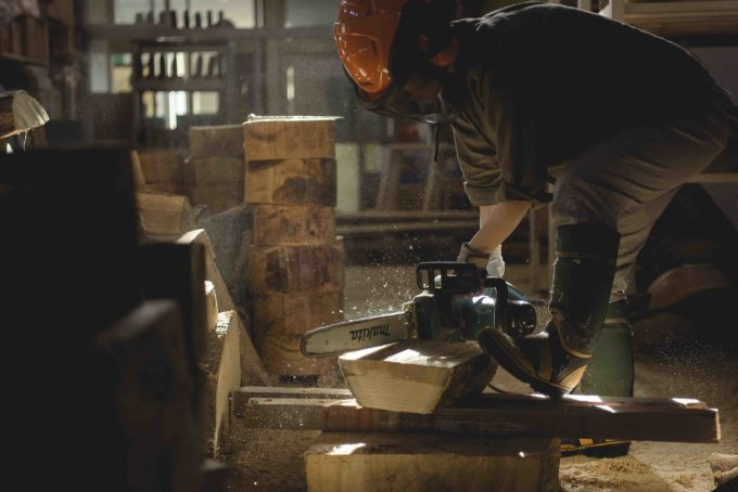 木工作家・高橋綾子さんの制作の様子2