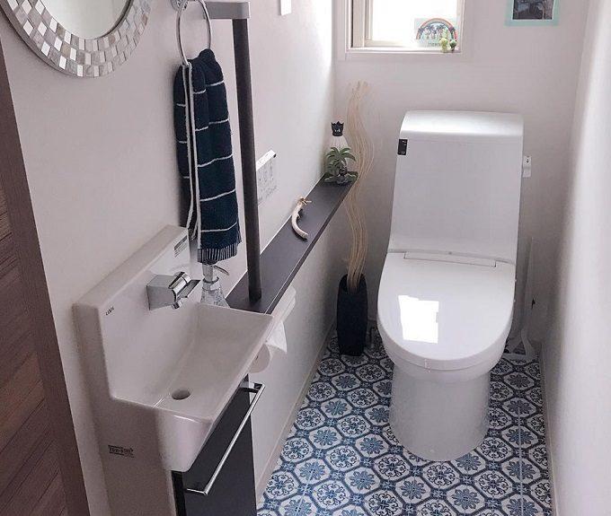 トイレをおしゃれにする、簡単DIYインテリア「床リメイクシート」