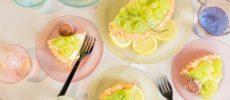 「Plakira」の食器を使ったテーブルコーディネートの真上から写真