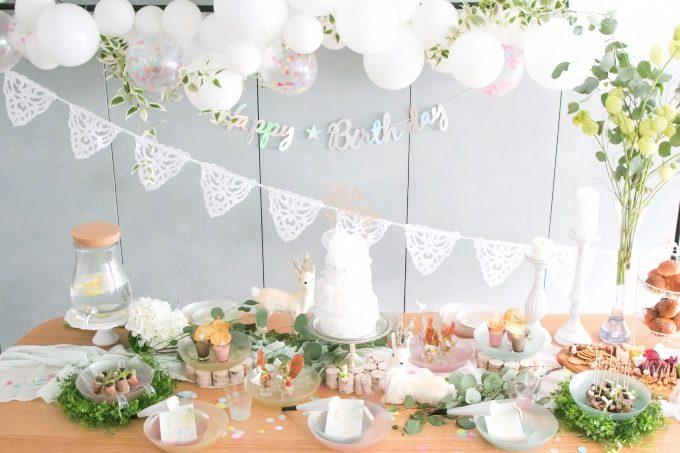 パーティーのテーブルコーディネートのイメージ写真