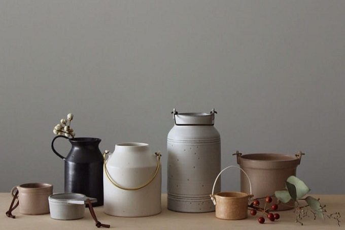 「風景を生む陶器」をテーマに制作をする作陶家の福山菜穂子さんのさまざまな陶器