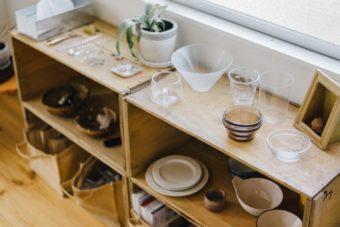好きなものに囲まれる暮らしを楽しもう。見せる収納アイデアでお部屋もスッキリ