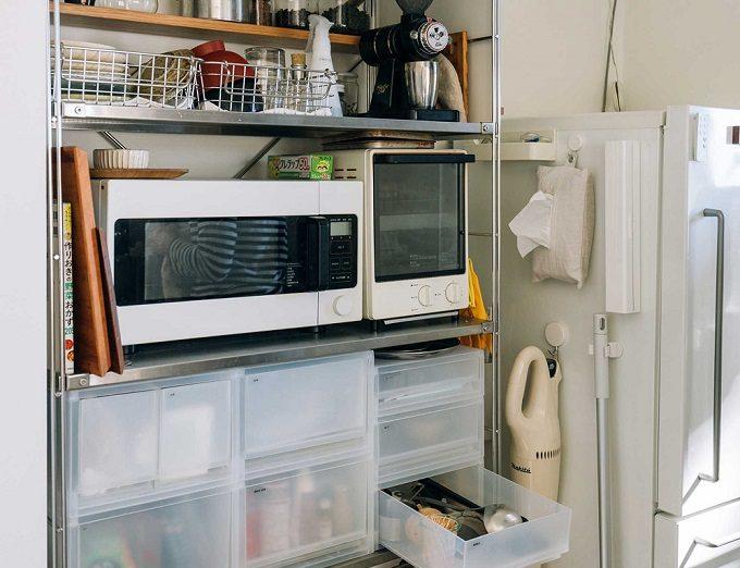 部屋をすっきり見せる方法3 キッチンでは同じデザインの引き出しで分類収納を