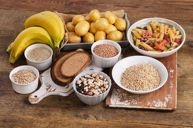 バナナやじゃがいも、米、麺類などブドウ糖が多く含まれる食材