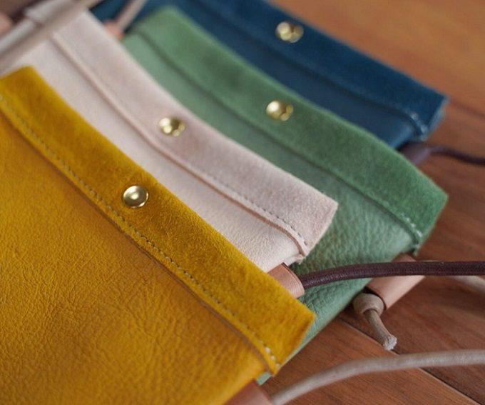 鹿革製品4色の平置き写真