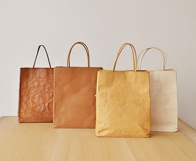 経年変化を楽しめる「丸ヨ片野製鞄所」の「レザーバッグ本革紙袋」