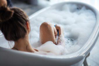 お湯の温度をキープしてじっくり温まる。美容&健康におすすめの入浴法