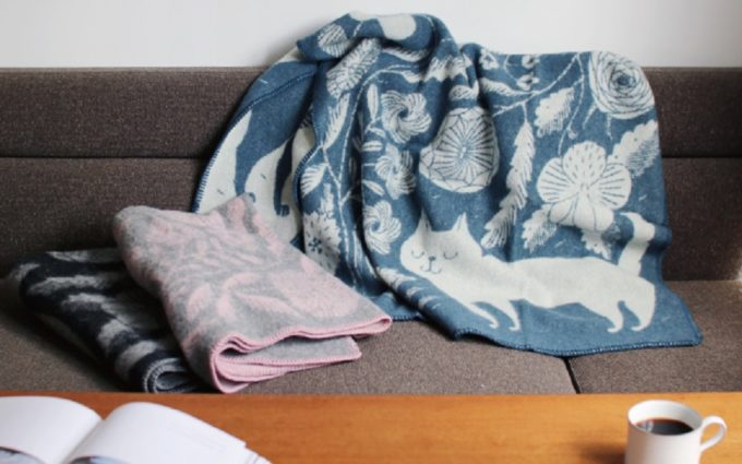 オフィスでもお部屋でも使いたい。暖かくておしゃれなブランケット<5選>