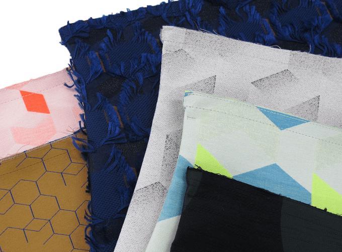 「POLS(ポルス)」のジャカード織りのテキスタイル数種類