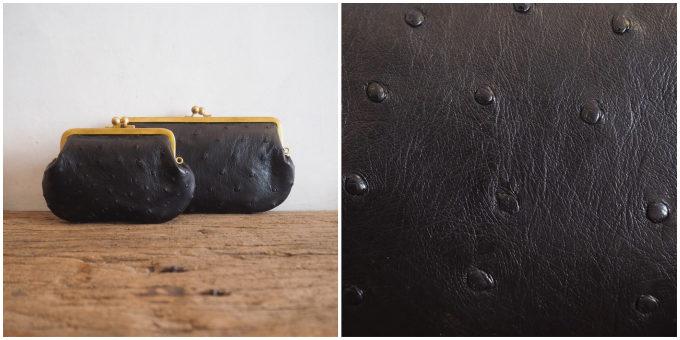 がま口ウォレット「オーストリッチレザー」の商品と革の写真