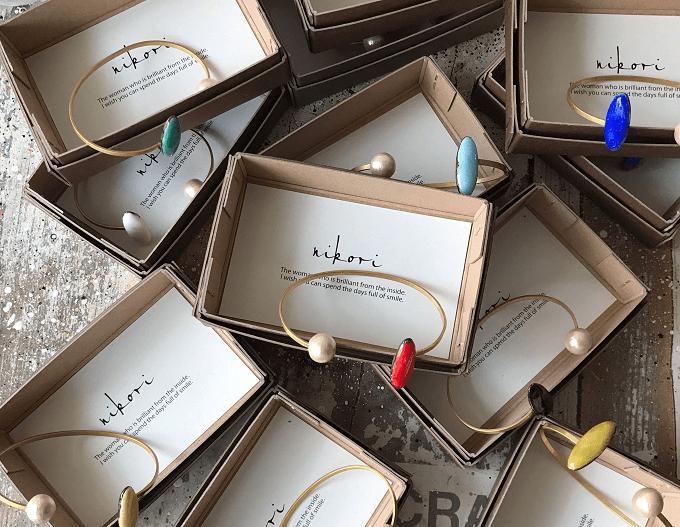 「nikori」の七宝焼きのブレスレット数種類