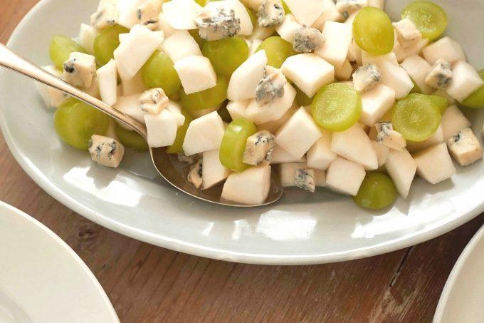 かぶと白ぶどうとブルーチーズのサラダの写真