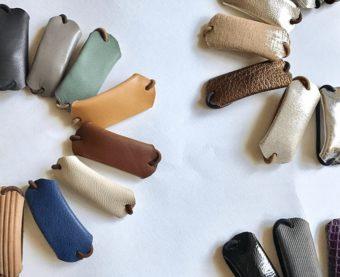 冬のヘアスタイルに大人なワンポイントを。シンプルで使いやすい「ricca」の革のヘアゴム