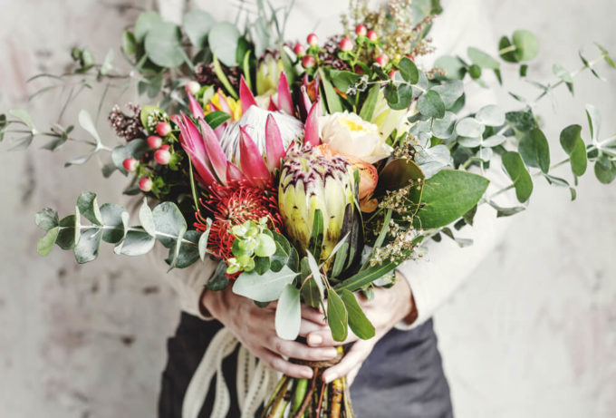 ありがとうの感謝や尊敬の気持ちを花言葉にのせてプレゼントする花束