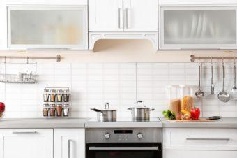 真似したいアイデアが見つかる。人気インスタグラマーのキッチン収納&掃除実例