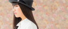 クラシカルな黒のリボン付きの帽子