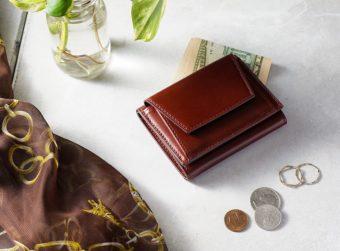 長く愛用したくなる。「UNROOF JAPAN」の使いやすいコンパクトな革財布
