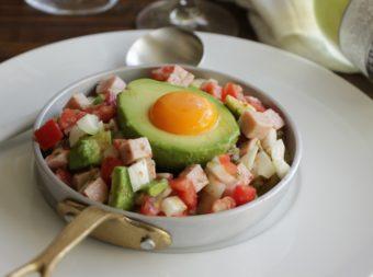 おもてなし料理におすすめ。簡単調理で見た目華やかな「アボたまとハムのマリネ」のレシピ