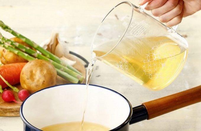 忙しい日も、だしを効かせた料理を楽しもう。電子レンジで本格だしが引ける便利なポット