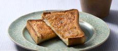 味噌󠄀とはちみつを混ぜるだけ!香り高い和テイストな「はちみつバタートースト」簡単レシピ