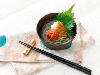 成分をまるごと摂取できる。茹で湯ごと食べられる食物繊維たっぷりの「腸活うどん」