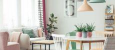 お部屋の心地良さが変わる。インテリアの「色知識」と上手な取り入れ方