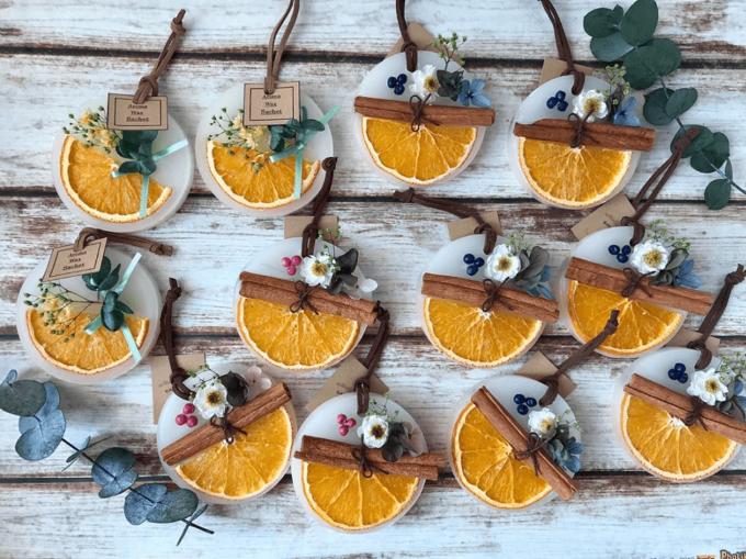 オレンジを使った「make tea party」のアロマワックスサシェ