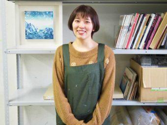北海道十勝の大樹町で酪農アーティストとして活動する木版画家・下山さんのライフスタイル