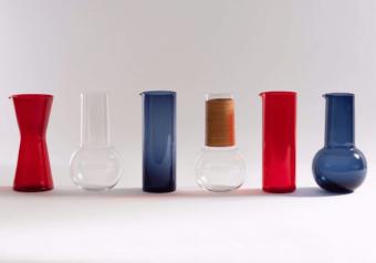 テーブルで存在感を放つクールな北欧デザイン。おもてなしにもぴったりなピッチャーやグラス