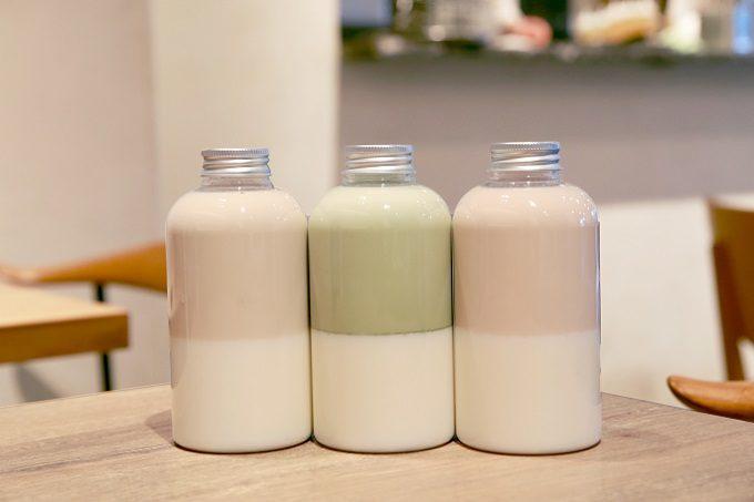 3つの飲み方で味の変化を楽しめる。ティーラテとプリンが溶け込む特別なドリンクとは