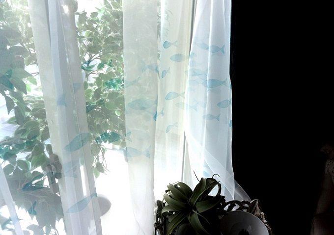 カーテンや小物でお部屋に変化を。海辺リゾートのような空間を作る「marin&pier」のカーテン