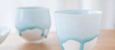 みずみずしく流れる釉薬の表情が美しい。雪解けのように幻想的な、西隆行さんの「雫」シリーズ