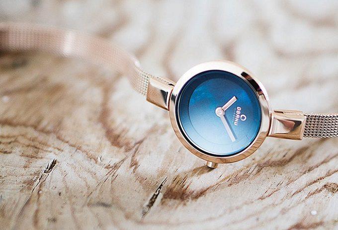 ブレスレットのように華やかかつ上品な「OBAKU(オバク)」の腕時計2