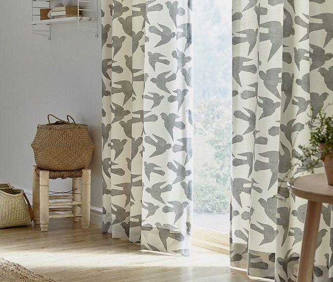豊富なデザインから選んで楽しもう。「トレファ トレファ」のテキスタイルで作るインテリア