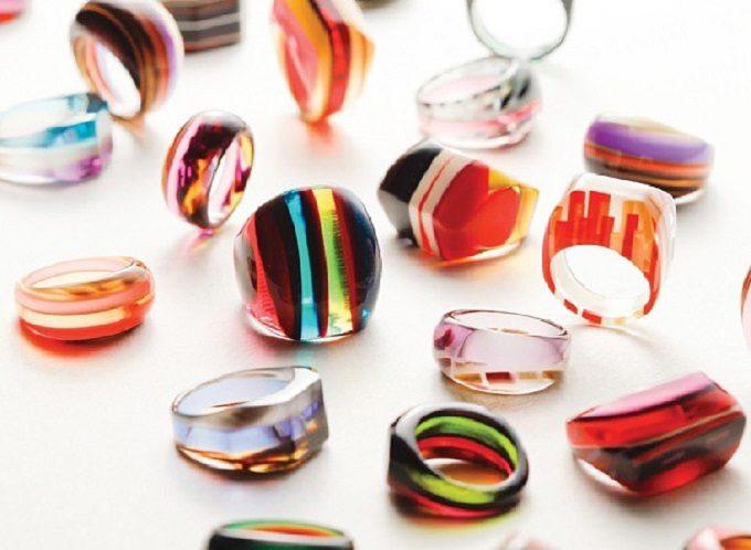 春夏気分を手元から。鮮やかなカラーと着け心地が魅力の「KISSO」のリング