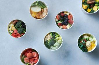 自分に合った栄養バランスのスムージーが作れる。野菜と果実の定期便「GREEN SPOON」