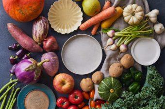 ピクルスやチーズケーキにも注目。量り売りの八百屋さん「HACARI」で旬野菜をお取り寄せ