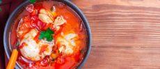 調理時間はたった15分。手軽に作れて豪華に見える「鶏肉の無水トマトクリーム煮」のレシピ