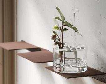 植物の個性が際立つ。洗練された北欧デザインで空間を彩る「KLONG」のフラワーベース