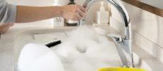 準備をしたらあとは放置で簡単。「ほったら家事」発案者のAyakaさんによる水周りの掃除術